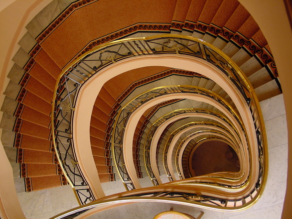 Jak wybrać specjalistę od budowy schodów?